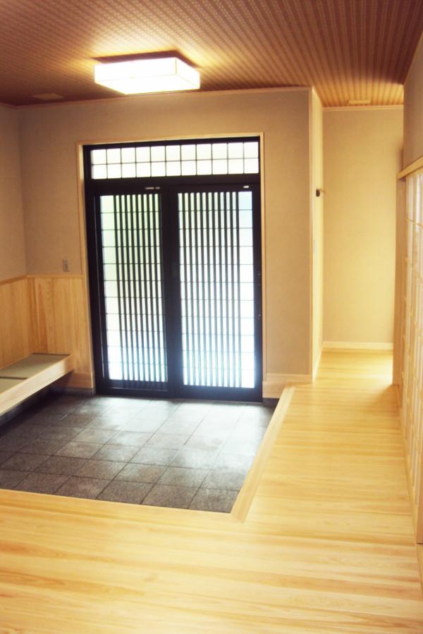 和の趣を最大限活かせた格式高い玄関